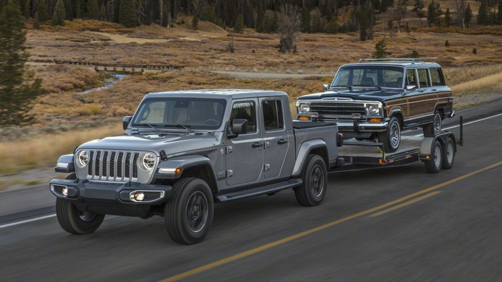 Jeep Gladiator towing another car