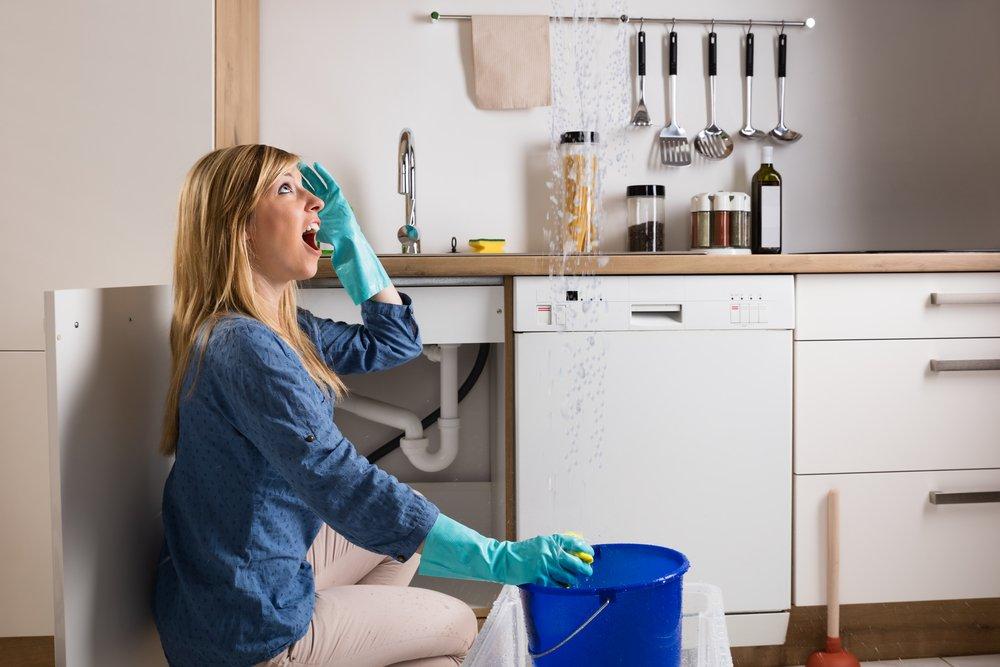 Woman with leaks who needs plumbing San Antonio