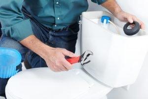 Charlotte, NC plumbers repair toilet
